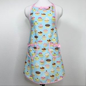 Cupcake Apron with Bows and Pockets